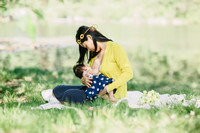 Lovely breastfeeding photo(2)